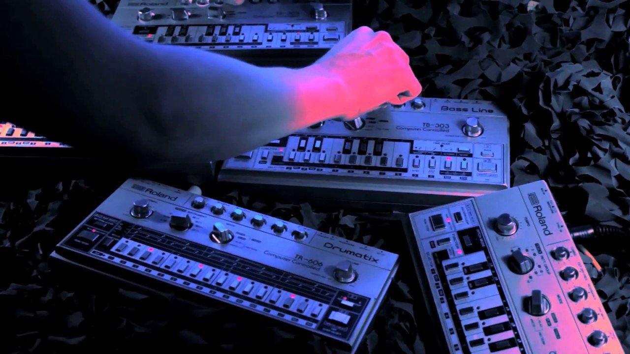 TM404COVER.jpg